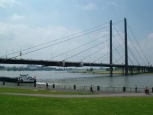 Knie-Brücke, Düsseldorf, Tyskland
