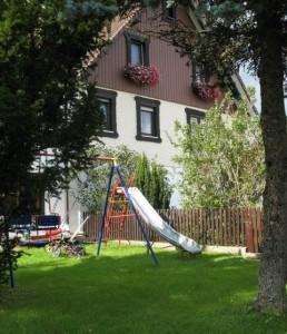 Spielwiese Haus Eberhardt